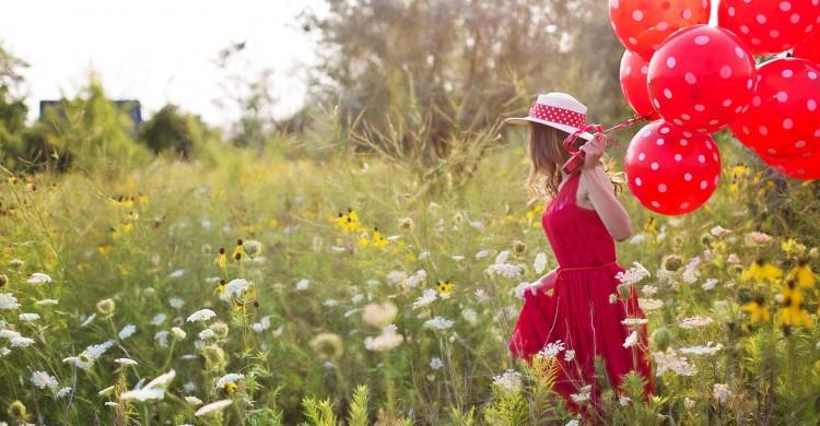 Dumnezeu ti-a dat șansa unei noi zile. Iubește mai mult, ascultă mai mult, mulțumește mai mult!